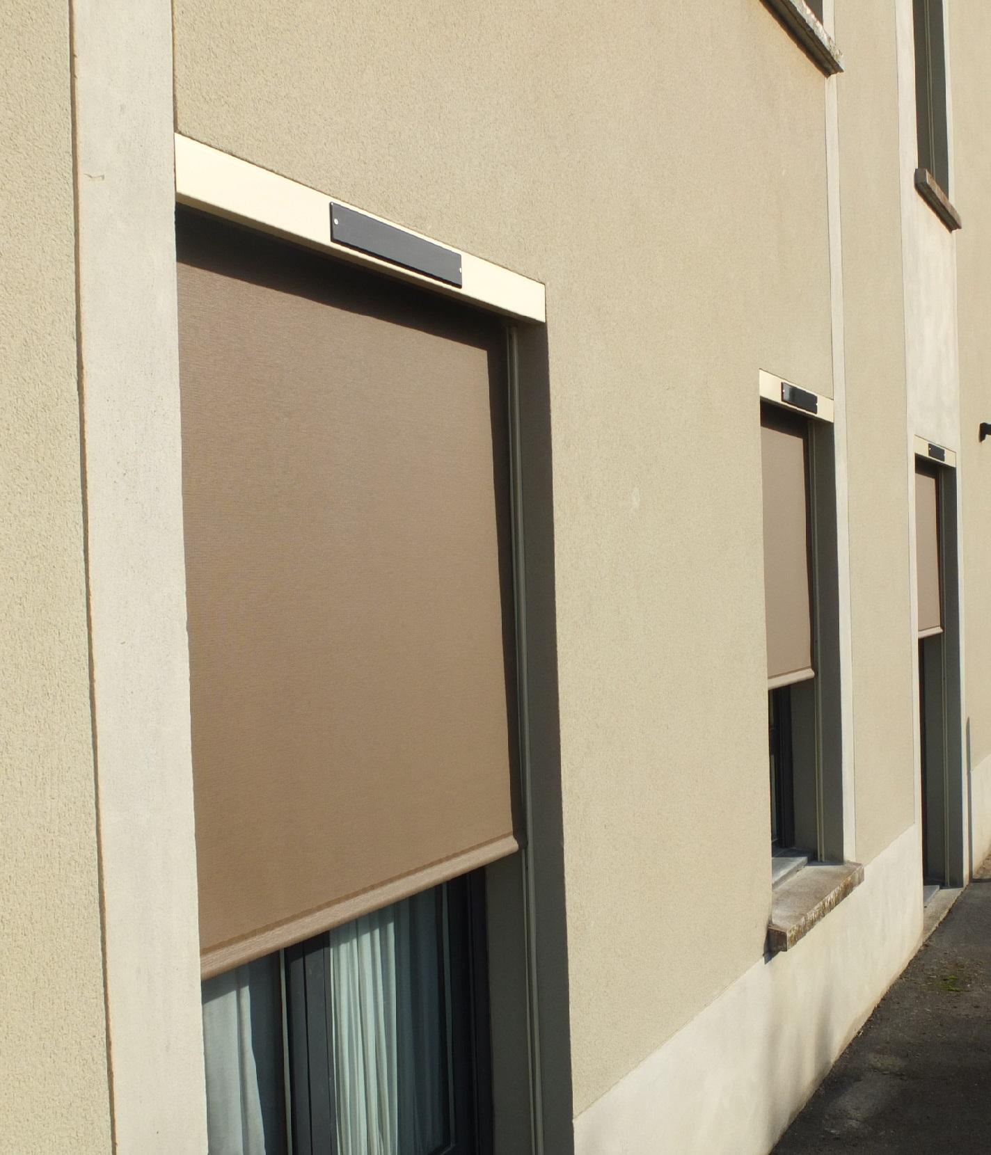 store electrique solaire interieur