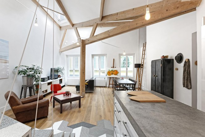 Hip Apartment In Paris