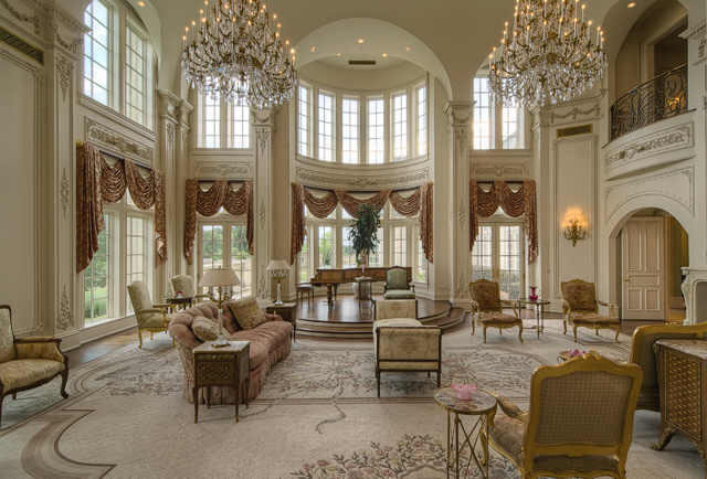 Champ DOr Stunning Estate In Hickory Creek