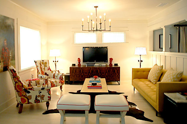 Living Room Design With Custom Vintage Furnishings