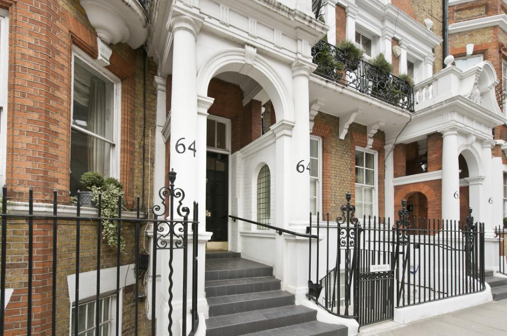 Knightsbridge Apartment With Mezzanine Study IDesignArch