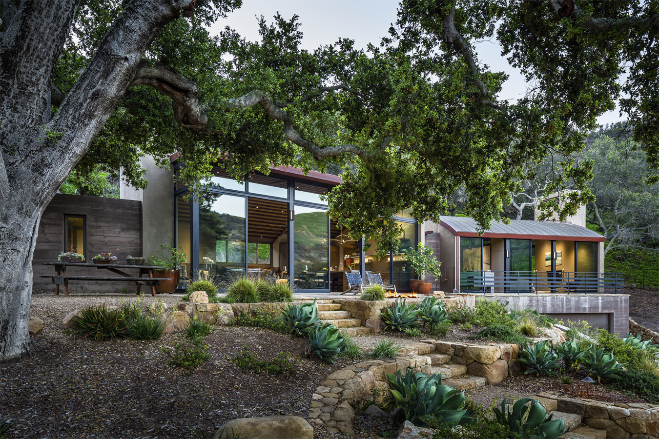 Rustic Modern Country House In Santa Barbara With Curved