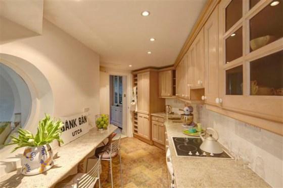 Castle-Home-Kitchen