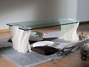 table basse en pierre sculptee avec