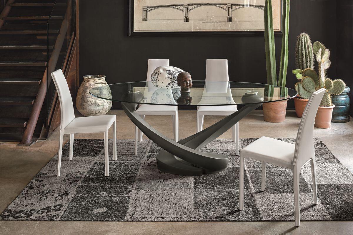 table ovale avec plateau en verre pour