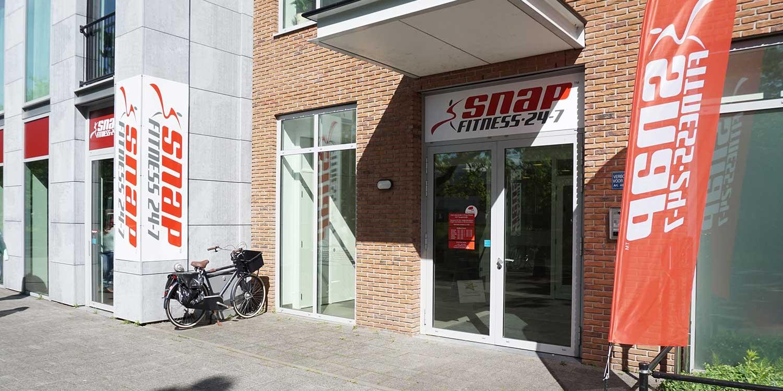 Ingang Snap Fitness Breda
