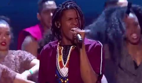 Thato Makape performing Mamelani By NaakMusiQ
