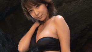 無【藤間あゆ美】-カップ2 高身長美女×黒水着×濡れる