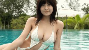 【RaMu】Hカップ12 おっぱいがはみ出ちゃってるセクシー水着姿!