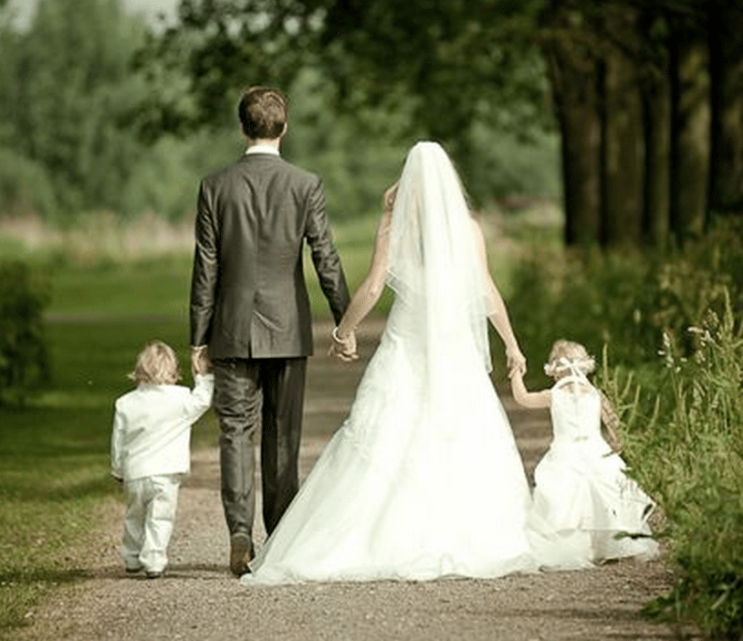 Family Picture Ideas For Wedding: Family Medallion Ceremony