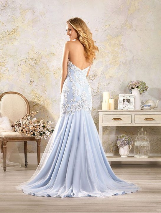 5004 by alfred angelo wedding gown