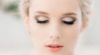 natural lip with glam eyeliner bridal makeup