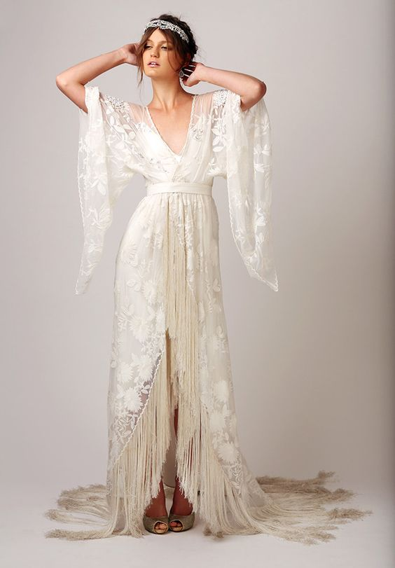 10 gatsby style wedding gowns to theme your wedding around wedding for an extra throwback style check out this gorgeous 1920s design plucked right out of the great gatsby itself junglespirit Gallery