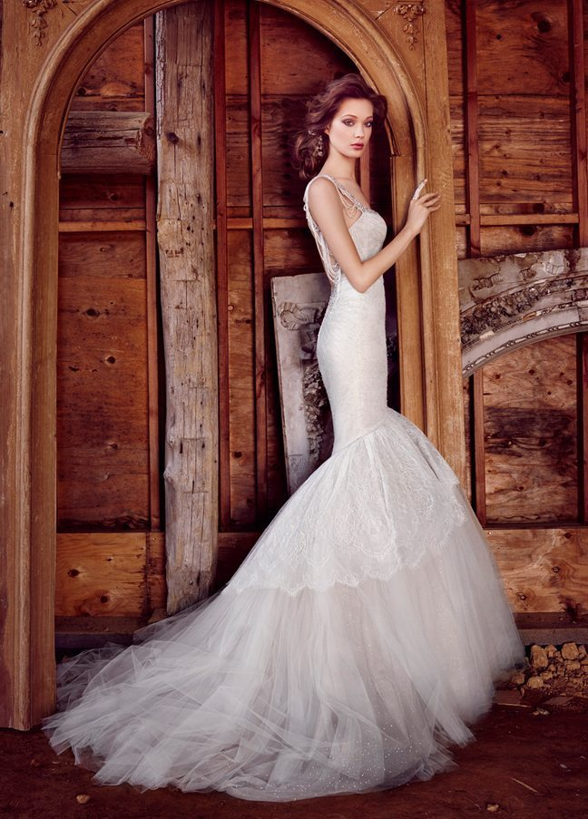 lazaro-bridal-chantilly-lace-fit-and-flare-jeweled-chandelier-sweetheart-plunging-corset-tulle-chapel-3556_zm