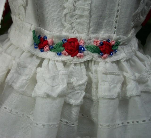 white ruffles belt