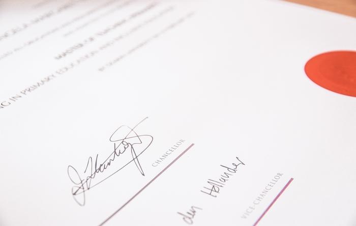 RISCOSSIONE COATTIVA – Cassazione – Ordinanza 26556 del 23/11/2020 – Ingiunzione – Sottoscrizione – Funzionario – Atto di designazione