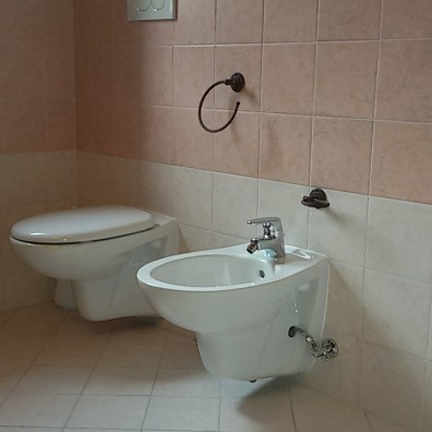 Realizzazione bagno, impianto e montaggio accessori