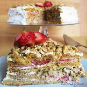 Strawberry Medovick Honey Layer Cake and other strawberry recipes at idyllicpursuit.com