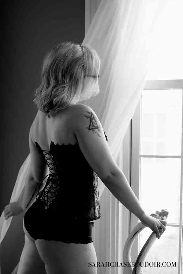 Learning to Love Your Body through Boudoir at idyllicpursuit.com