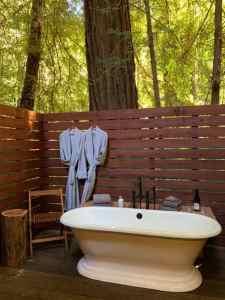 Glen Oaks Big Sur Outdoor Tub