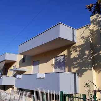 Ristrutturazione facciata edificio residenziale