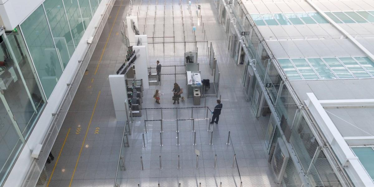 Έρημο το αεροδρόμιο του Μονάχου.