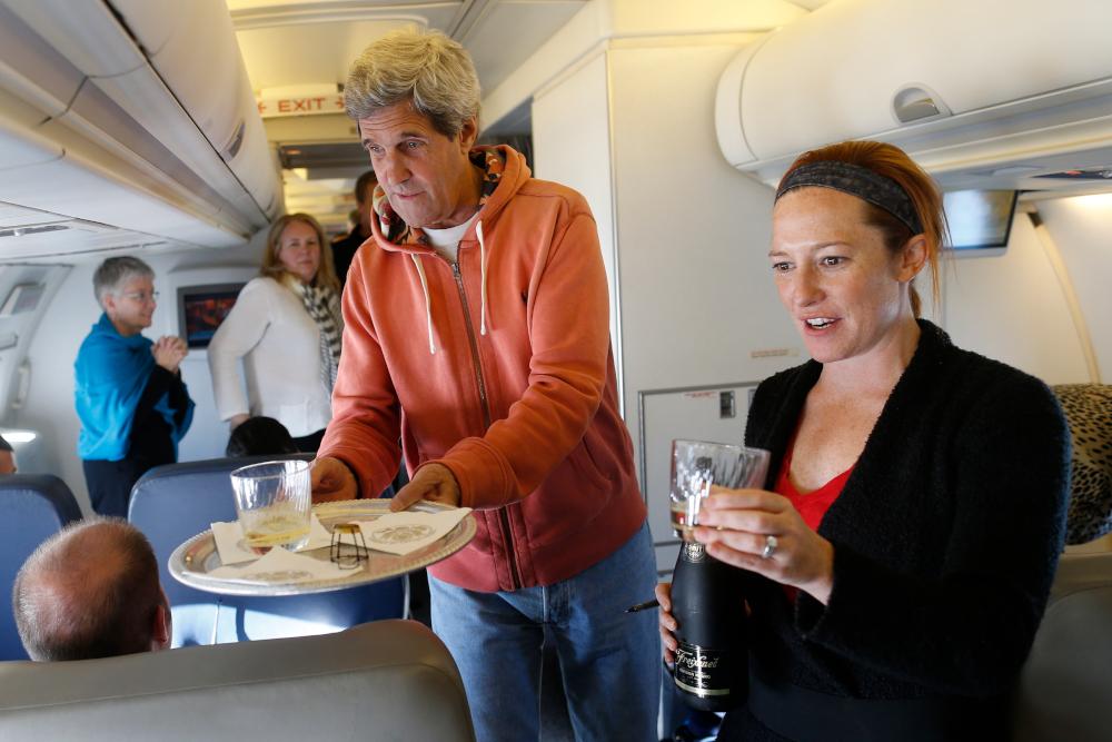 Η Τζεν Ψάκη με τον Τζον Κέρι σε πτήση