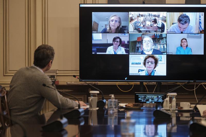 Στιγμιότυπο από την τηλεδιάσκεψη του πρωθυπουργού