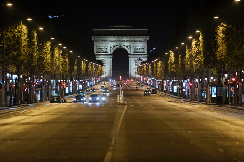 To Παρίσι... άδειασε χθες το βράδυ