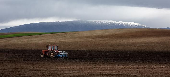"""Αγρότες: Χωρίς """"κόφτη"""" 60% όσοι συνταξιοτηθούν μέχρι και το 2024 και συνεχίζουν να εργάζονται"""
