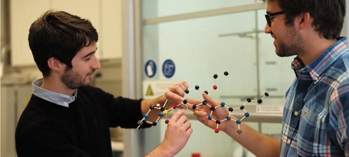 Το σύστημα προτείνει τις πέντε πιθανότερες εκβάσεις για κάθε χημική αντίδραση