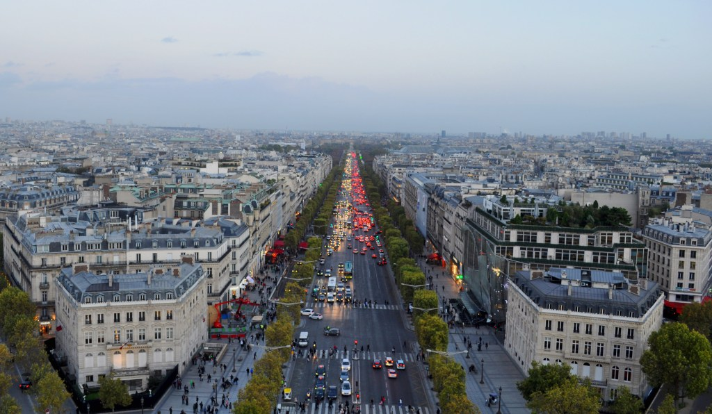 Ultimo guide to paris. Champs Elysee view from the Arc De Triumph