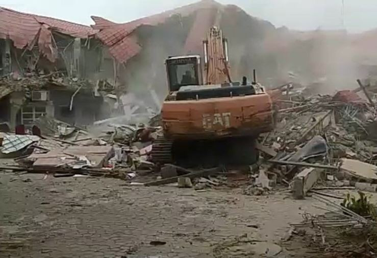 FG demolishes Abuja night