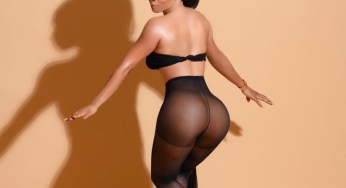 """Toke Makinwa exposes her naked backside and tells haters to """"kiss it"""""""