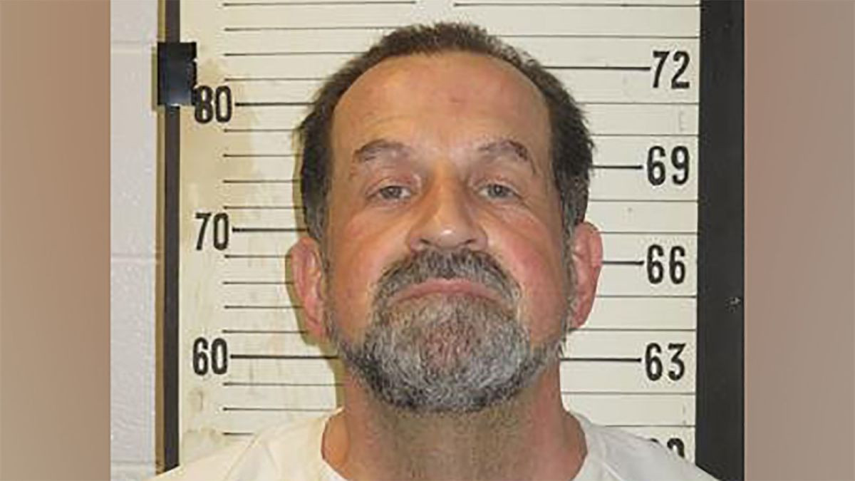 Murderer executed by electric chair for killing a rapist inmate after 40 years in jail