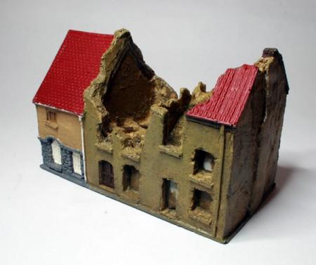15mm Ruined Row of Three Houses