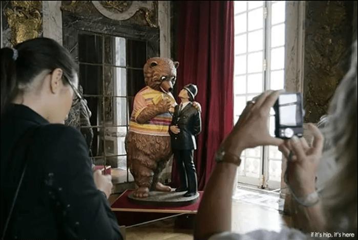 """Jeff Koons, """"Bear and Policeman"""" (1988)"""