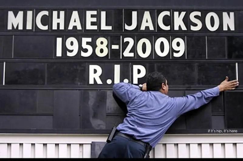 MJ Memorial pics you really to see IIHIH