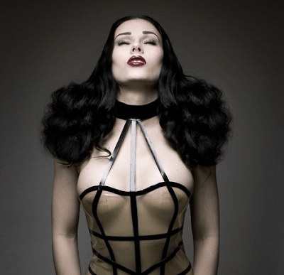 Read more about the article Fetish Goes Formal With Couture Rubber Lingerie and Fashions: HMS Latex