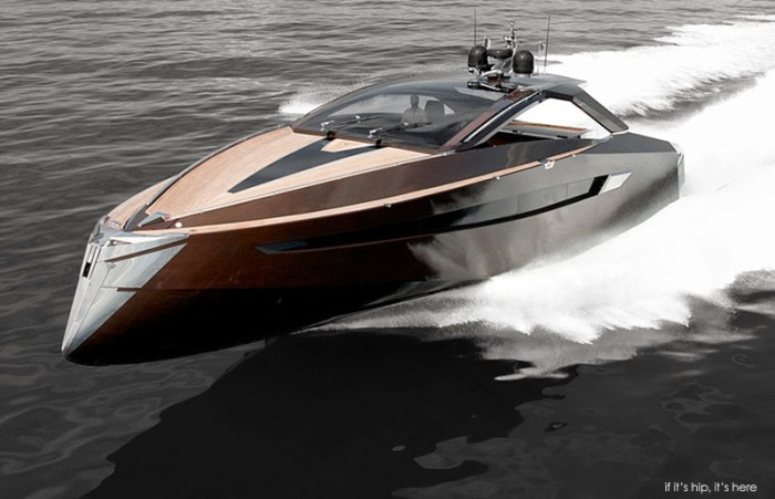 hedonist-yacht