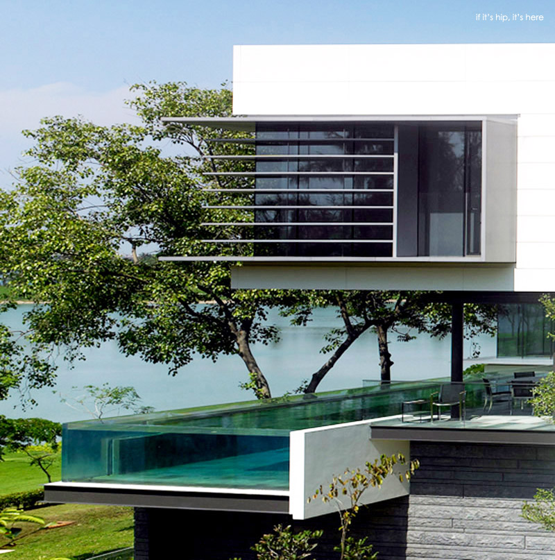 House With Glass Hip In Singapore