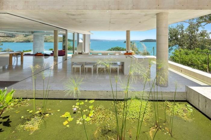 outdoor dining hamilton island