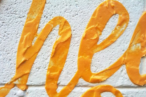 Read more about the article Cheez Whiz Graffitti and Other Perishable Logos By Dorota Pankowska