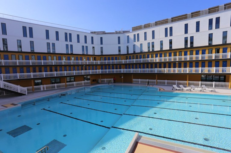 France 39 s molitor swimming baths re open with new rooms - Opening a swimming pool after winter ...