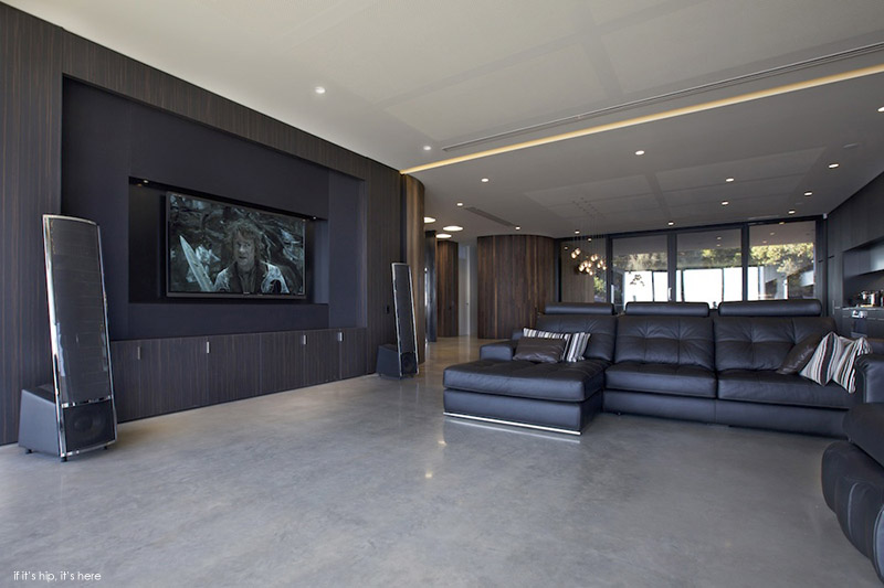 Pole House Lounge and home theater IIHIH