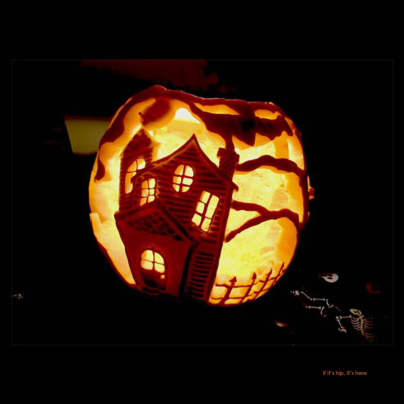 4. Haunted House Fire pumpkin carving