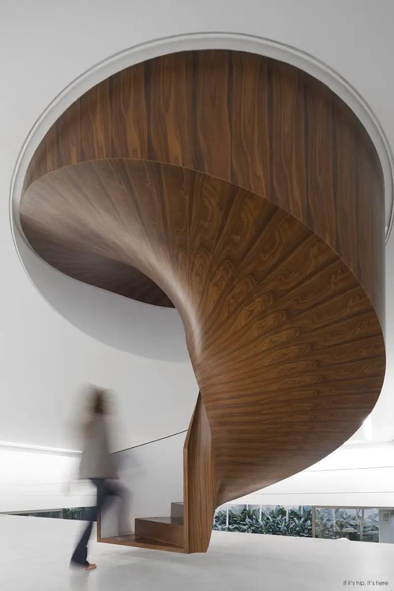 wood staircase IIHIH
