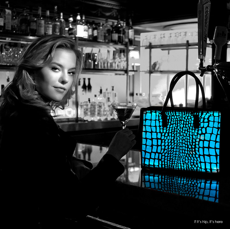 blue croc tote in bar IIHIH