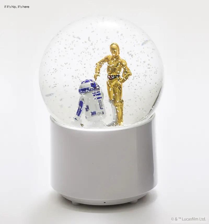 R2D2 & C3PO wireless snowglobe speaker 1