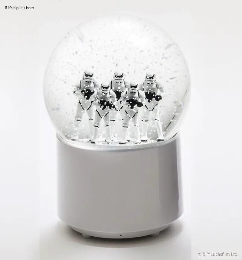 Stormtroopers wireless snowglobe speaker 1